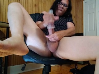 Trans broad Masturbating With Universal Stimulator From Adammale and FEET