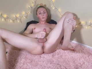 Trans woman, Nikki North, Uses Her Own dong To Fuck Her booty