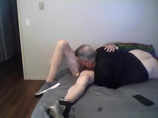 Evonn blows Daddy dry