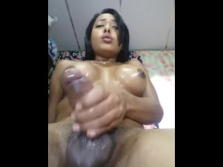 Brunettehotts Cums 4 times in a row HANDSFREE!
