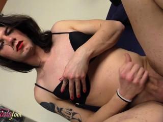 pretty barefoot t-girl Chanel masturbating while vaping