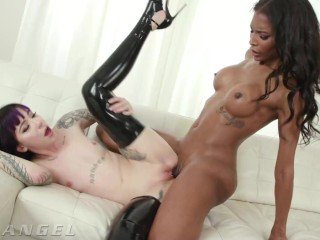 PansexualX - Goth Charlotte booty nailed By charming ebony transsexual Natassia Dreams