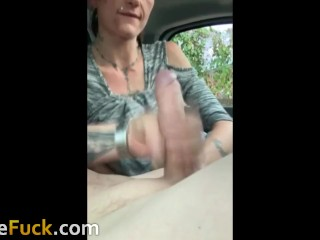 girl met at DoWeFuck swallow my sperm in car