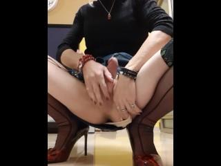 Crossdresser Alexa Bar play with her giant penis